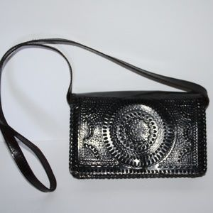 Beautiful vintage brown leather purse